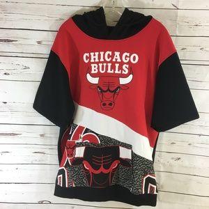 Chicago Bulls Short Sleeve Hoodie Sweatshirt NWT
